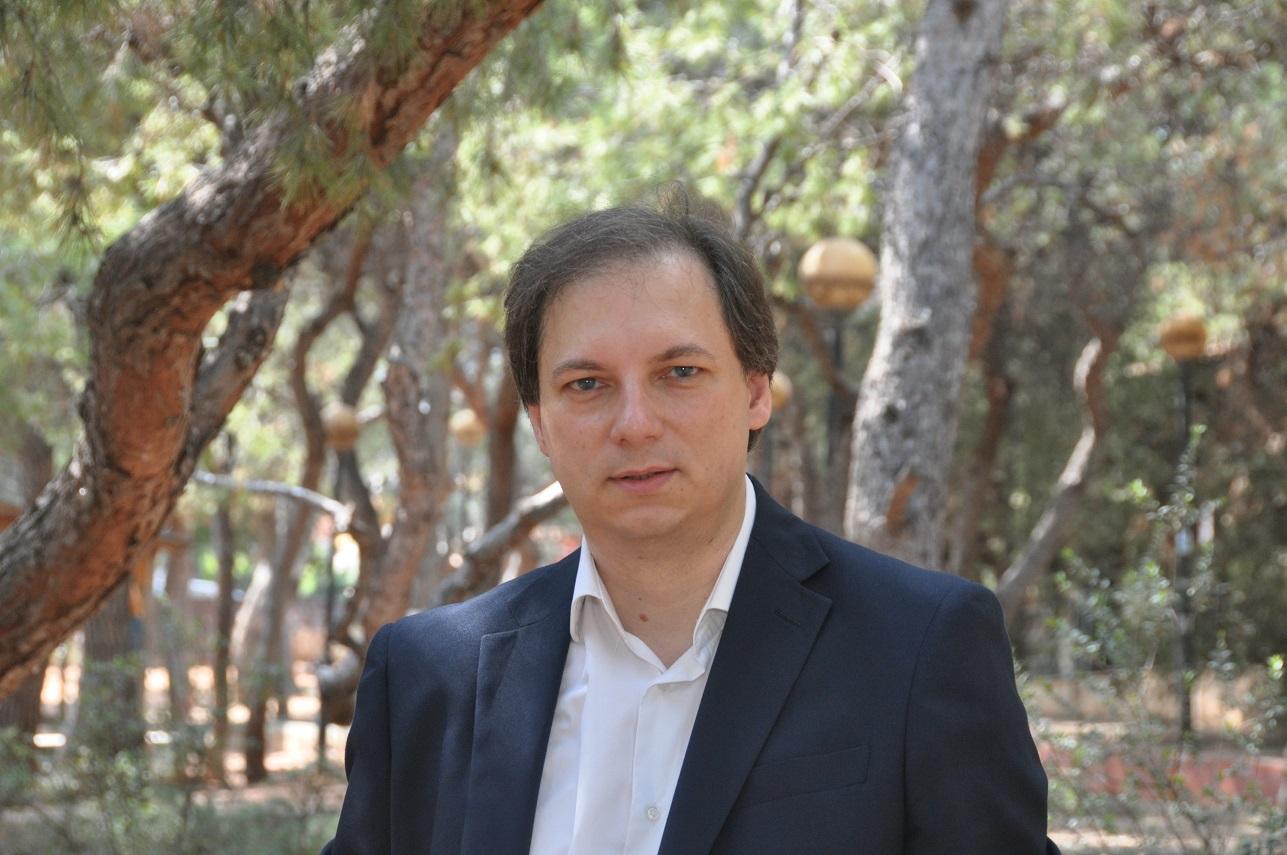 """ΣΥΝΕΝΤΕΥΞΗ: Αλέξης Σωτηρόπουλος, Επικεφαλής """"Δύναμη Ελπίδας"""" Βύρωνα: «Έχουμε το όραμα να ξανακάνουμε το Βύρωνα μία πόλη που αξίζει να ζεις»"""